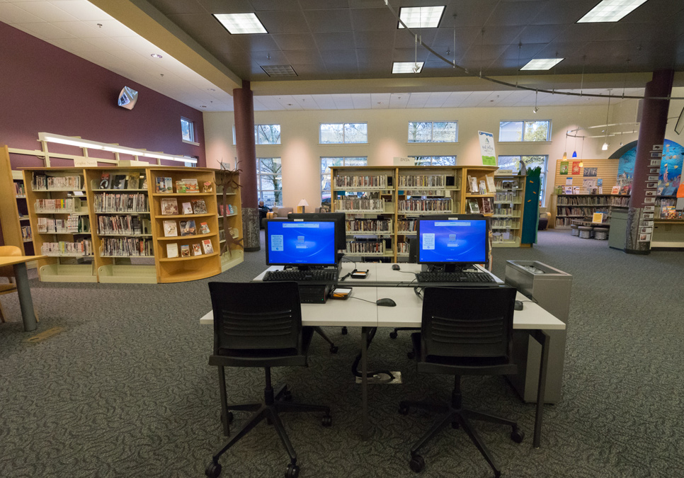 Public computer area at the Delridge Branch